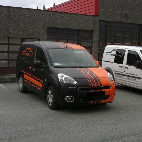 orandži melna mašīna